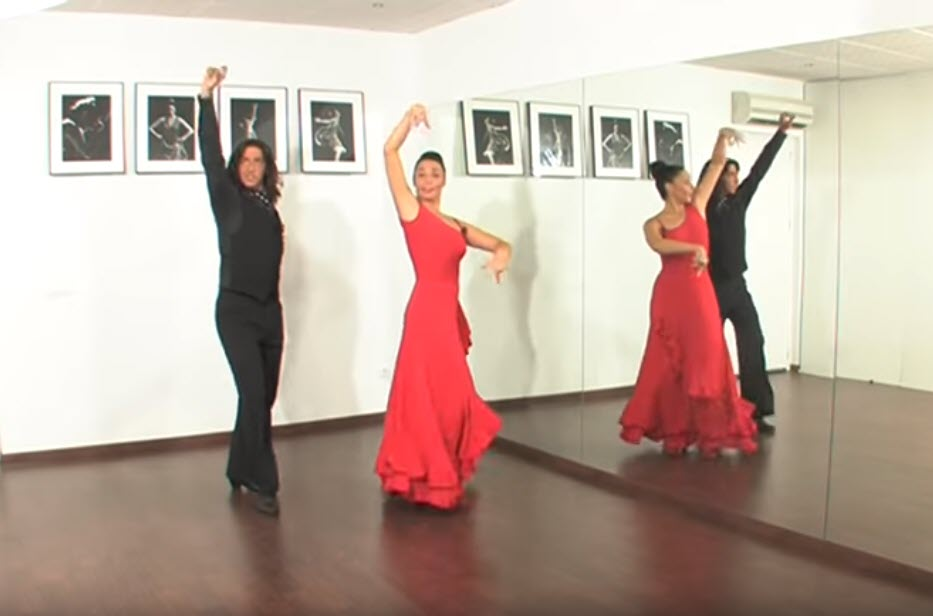 people-dancing-flamenco